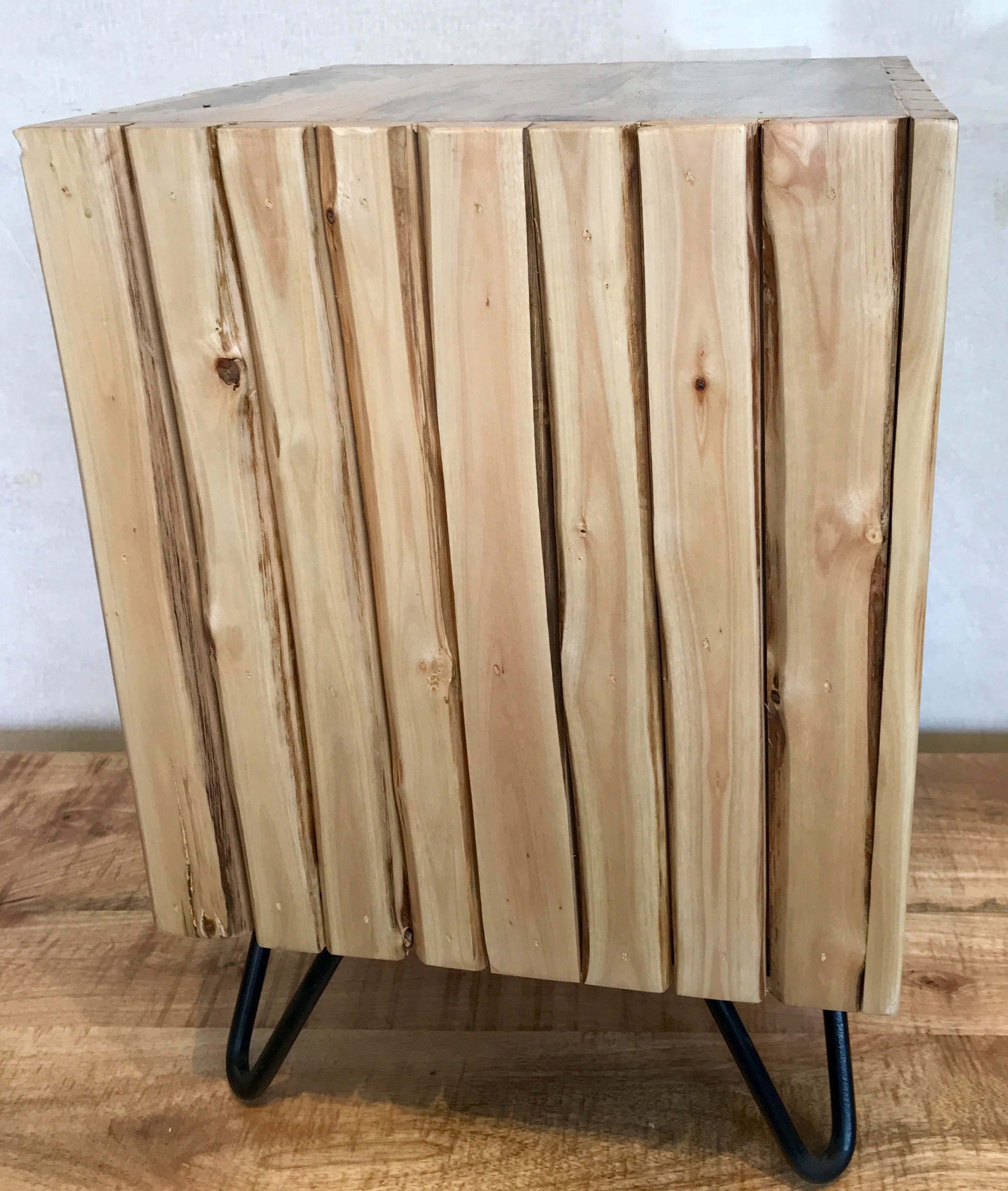 STOOL/END TABLE CUBE